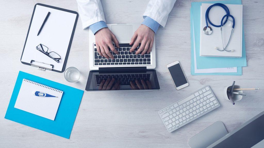 Consulter un médecin pédiatre dans les cas suivants